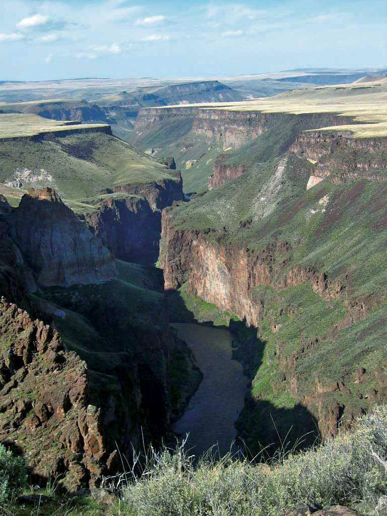 Owyhee River in eastern Oregon, photgraphed by Dr. Rick Dorin